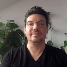 Adam Rene Brukerprofil