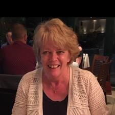โพรไฟล์ผู้ใช้ Lynne