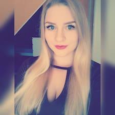 Julia Natalie User Profile