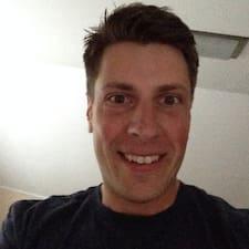 Profil Pengguna Travis