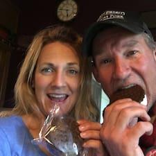 โพรไฟล์ผู้ใช้ Cindy And Kirk