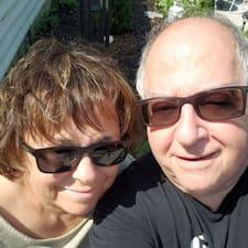 Mike & Debby felhasználói profilja