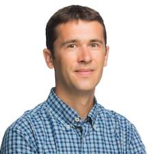 Daniel L. User Profile