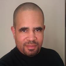 Profilo utente di James W.