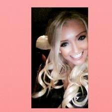 Carlyzia User Profile
