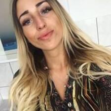 Pauliná User Profile