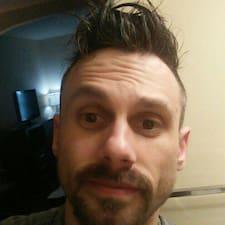 Profilo utente di Aaron Daniel