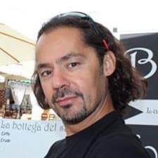 További információk Enrico házigazdával kapcsolatban