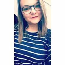 Marie-Julie felhasználói profilja