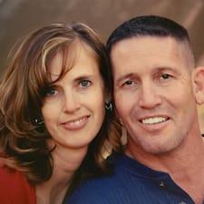 En savoir plus sur Mark & Karen