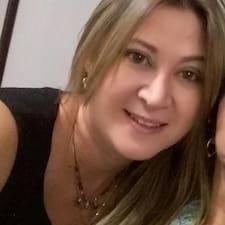 Viviana Superhost házigazda.