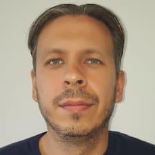 Profil Pengguna Tomas