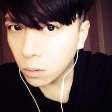 依毅 User Profile
