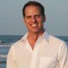 Mike felhasználói profilja