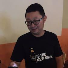 โพรไฟล์ผู้ใช้ Chong Chun