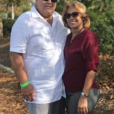 Michael & Rosa is a superhost.