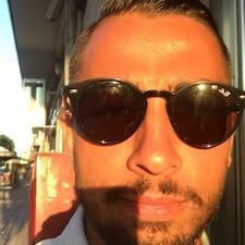 További információk Piero házigazdával kapcsolatban