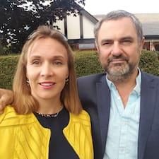 Paul & Barbara-Anne ist der Gastgeber.