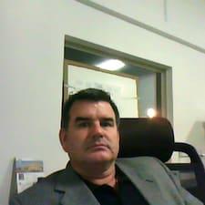 Edward Anthony felhasználói profilja