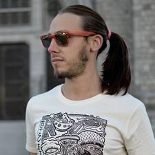 Profil Pengguna Axel