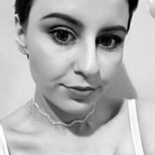 Emilia felhasználói profilja