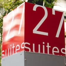 27 Suites Apart Hotel is a superhost.