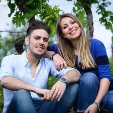 További információk Luigi E Tania házigazdával kapcsolatban