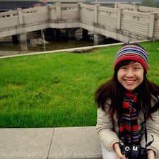 Desiree felhasználói profilja
