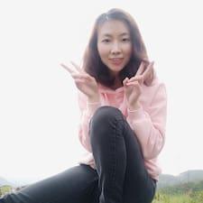 邓宇倩 Brugerprofil