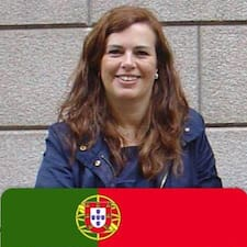 Manuela är en Superhost.