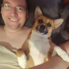 Brian felhasználói profilja