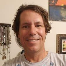 Darryl felhasználói profilja