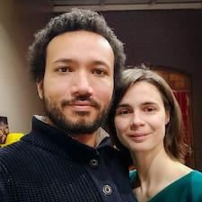 Julie & Micka Brukerprofil