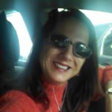 Nutzerprofil von Monica Carmen