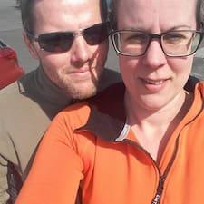 Gebruikersprofiel Guðný And Family