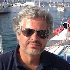 Obtén más información sobre Vitor