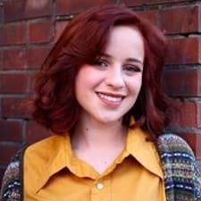Потребителски профил на Claire