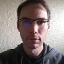Karil felhasználói profilja