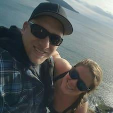 Dave & Amanda Superhost házigazda.