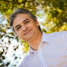 Llegeix més sobre Luis Antonio