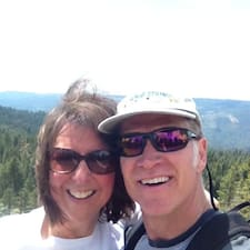 Jeff And Debbie felhasználói profilja