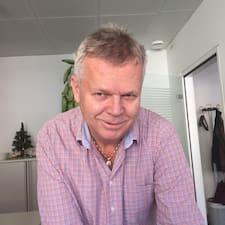 โพรไฟล์ผู้ใช้ Peter