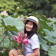 Zjisti více o hostiteli Huyen Trang