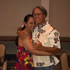 Hale Hoʻolana je superhostitelem.