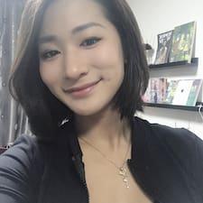 정아 felhasználói profilja