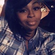 Ebonie felhasználói profilja