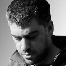 Profil Pengguna Apostolos
