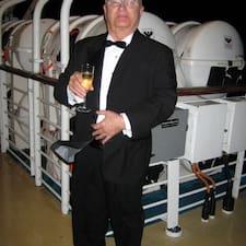 Larry S. felhasználói profilja