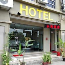 HotelByTheParkPLT User Profile