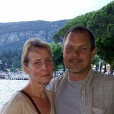 Jan Og Linda er SuperHost.